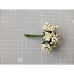 White flowers - 12 pcs