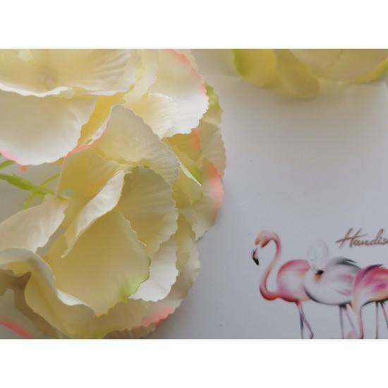 Stem hydrangeas - white