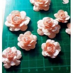 Flower cutting die