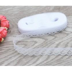 Дантелена панделка - бял цвят